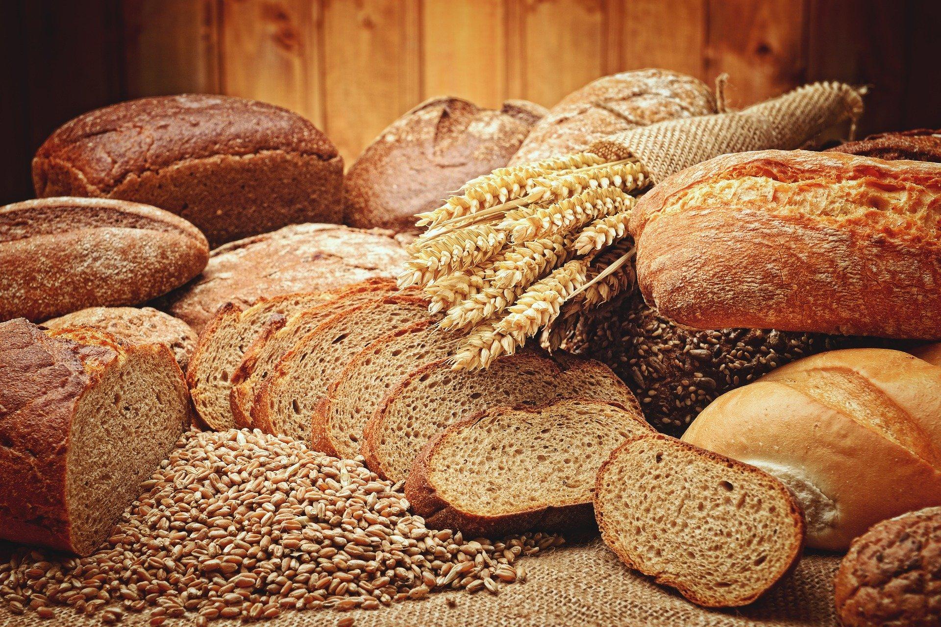 Pourquoi le gluten pourrait être la cause de ton acné ?